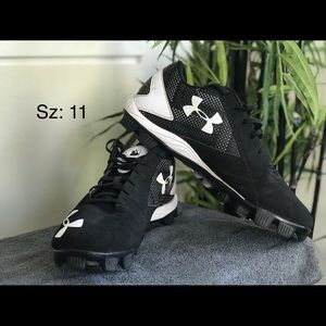 Mens Under Armour baseball cleats sz 11